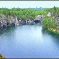 Мраморное озеро :: Михаил