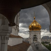 на колокольне Храма Христа Спасителя :: Виктор Перякин