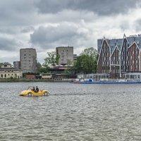 Жёлтая надводная машина :: Sergey Polovnikov