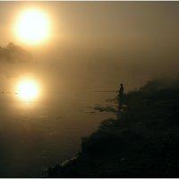 Туман и солнце ** :: Геннадий Худолеев