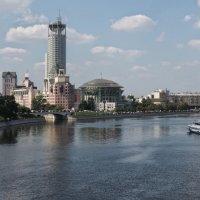 Космодамианская набережная Москвы реки :: Игорь Белоногов