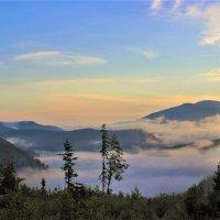 В долине утром туман :: Сергей Чиняев