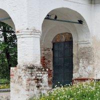 Уголок старого Ярославля, возле церкви Николы Рубленый Город :: Николай Белавин