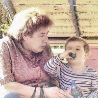за здоровье бабушки :: Сергей Беличев