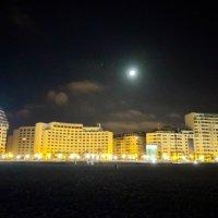Ночь , Танжер и луна :: Виктор  /  Victor Соболенко  /  Sobolenko