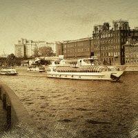 По Москве реке..... :: Андрей Головкин