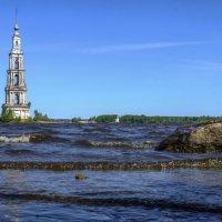 Затопленная колокольня в Калязине :: Георгий А