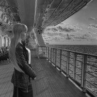 Девушка на корабле :: Николай Гейкер