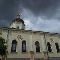Лики и тучи... Киев. Свято-Троицкий Ионинский монастырь :: Тамара Бедай