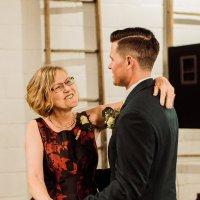 Танец жениха с мамой :: Anna Lashkevich