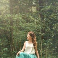 Девушка в весеннем парке :: Елена Соловьева