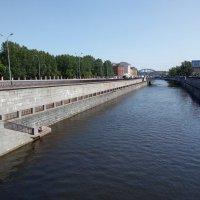 Вид с моста на Обводный канал. (Петербург). :: Светлана Калмыкова