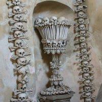 Чехия. Костница — церковь из костей :: leo yagonen
