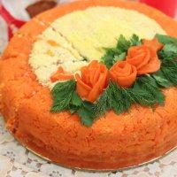 Салатный тортик :: Елена Красильникова