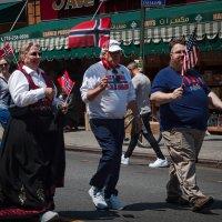 Тройственный марш :: Олег Чемоданов