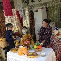 дети в фольклорном доме :: peretz