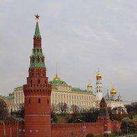 Кремлевская набережная :: Игорь Белоногов
