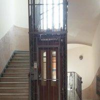 старый лифт :: peretz