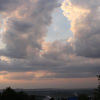 Тучи над городом после дождя... :: Nina Karyuk
