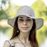 Июньский портрет в цвете. :: Иван Степанов