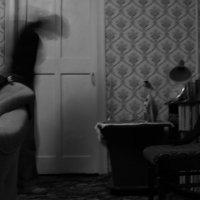 в квартире бывшего...побывавшая.... :: Елена Минина