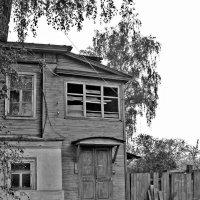 Старый дом в Балахне :: Павел Зюзин