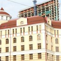Строящее здания! :: Рустам Худайбердиев