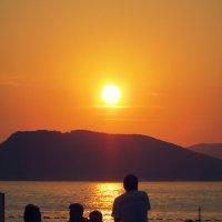 Черногория. Закат на острове Святой Стефан :: Лера Николова