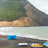 Непогода, опустевший пляж... :: Елена Васильева
