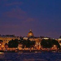 Прогулка по ночной Неве :: Ард Прохоров