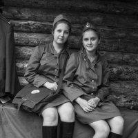 боевые подруги :: Владимир Бурдин