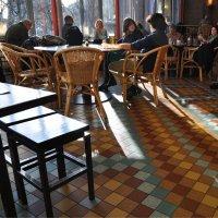 Немного солнца в уютном кафе :: Ирина Данилова