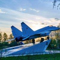 Монумент в Ашукино :: Александр Протопопов
