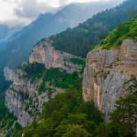 На главной гряде Крымских гор :: Андрей Козлов