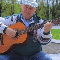 Песни под гитару. :: Павел