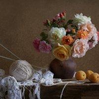 Натюрморт с розами :: Татьяна Панчешная