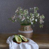 Натюрморт с авокадо :: Гузель Т