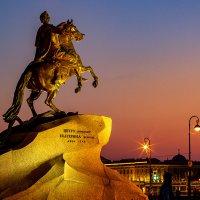 Только лошадь и змея - вот и вся Его семья.. :: Андрей Николаевич Незнанов