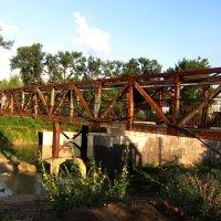 Мост через реку Адагум в г.Крымске :: Людмила Монахова