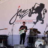 А у нас сегодня джаз... :: Любовь С.