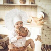 Вкусная детская фотосессия :: Galina Rastorgueva