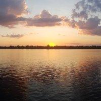 Июльский закат над Волгой в Дубне :: Минихан Сафин