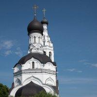 Храм в Липицах. :: Владимир Безбородов