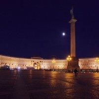 Дворцовая площадь в белую ночь :: Андрей Игоревич