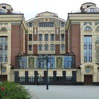 Здание Сретенской духовной семинарии :: Лидия Бусурина