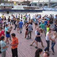 танцы на Пушкинской набережной :: ИРЭН@ .