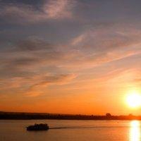 Вечером на реке :: владимир тимошенко