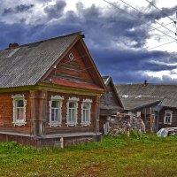 В деревне перед грозой :: Александра