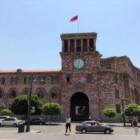 Здание Правительства Армении. :: Mila .