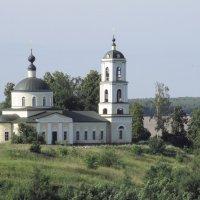 Храм на погосте. :: Андрей Зайцев